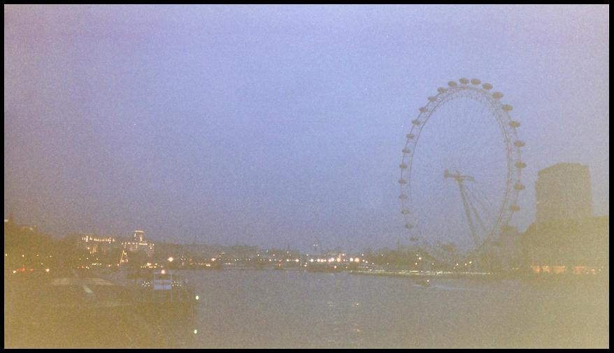 LondonEyeThames 2.02.jpg