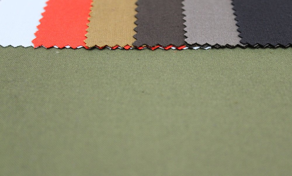 P156 WR ANTIPILL - A plain dyed lining developed for waxed jackets or luggage. the 100% cotton, anti-pilling fabric has been treated with an oil and water repellent finish, giving good protection against wax and other contaminants.