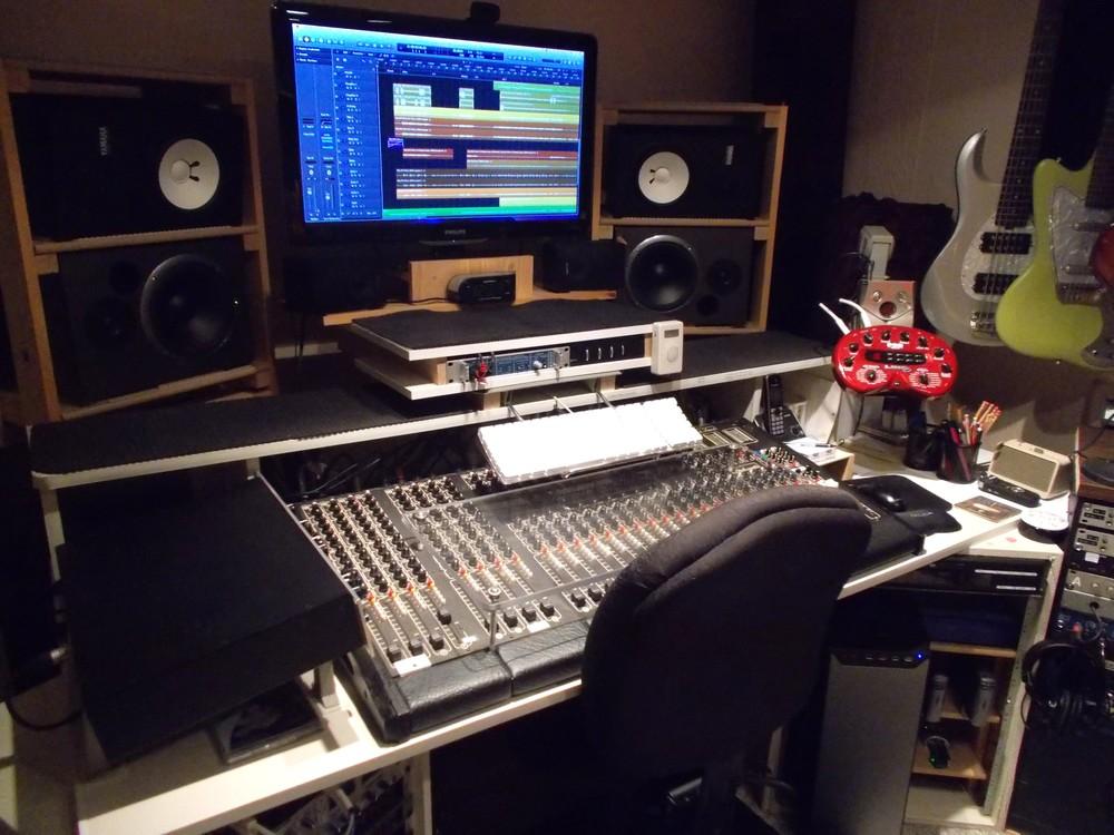 Control Room console.JPG