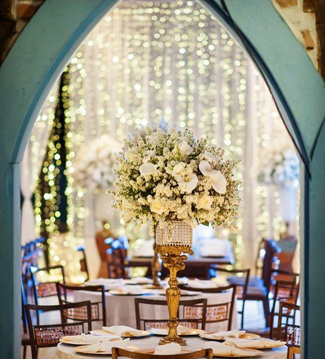 A Cortina de Luz destaca a mesa do bolo, valoriza ainda mais a decoração e causa um incrível impacto visual. ✨✨✨❤️❤️❤️ Solicite orçamento: atendimento@abrsom.com.br