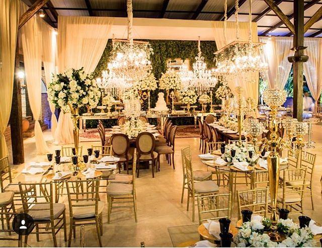 Iluminação Cênica de ontem, Chácara Chiari deslumbrante para Martha e Emerson!! #Repost @leopedone ・・・ Casamento na Chácara Chiari. Decoração: Paula Muzzi/Eventus