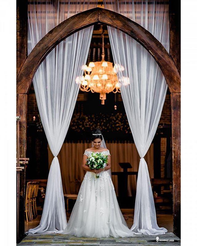 Casamento lindo e emocionante!! #deontem #Repost @rodrigolana ・・・ A Malu realizou o seu sonho de casar.👰  E você, qual sonho você gostaria de realizar?🙏