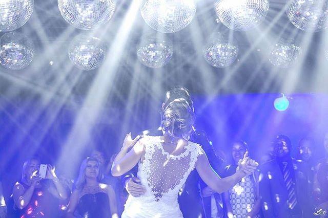 #firstdance em grande estilo!! E você, já pensou na sua? #vempraABR #vemcomemorarcomagente 🎶💕