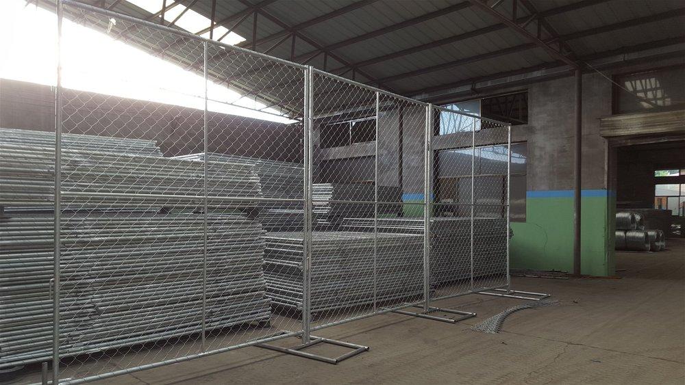 temporary panel fencing.Jpg