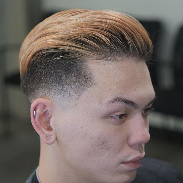 . Barber: Jordan Peterson @hairxjordan . . Style: Low Fade, Sidepart / Undercut . . . . . . Appointment only at www.paramountbarberingco.com . . . #nbahaircuts #nbastyles #iowabarber #barber  #barbershop #barberlife  #btcpics #behindthechair #taper #taperit #eastvillage #desmoines #iowa #barbershopconnect #hanzoshears #hanzonation #thebarberpost #desmoinesbarber #desmoinesbarbershop  #desmoineshair #thebarberpost #sharpfade #nastybarbers