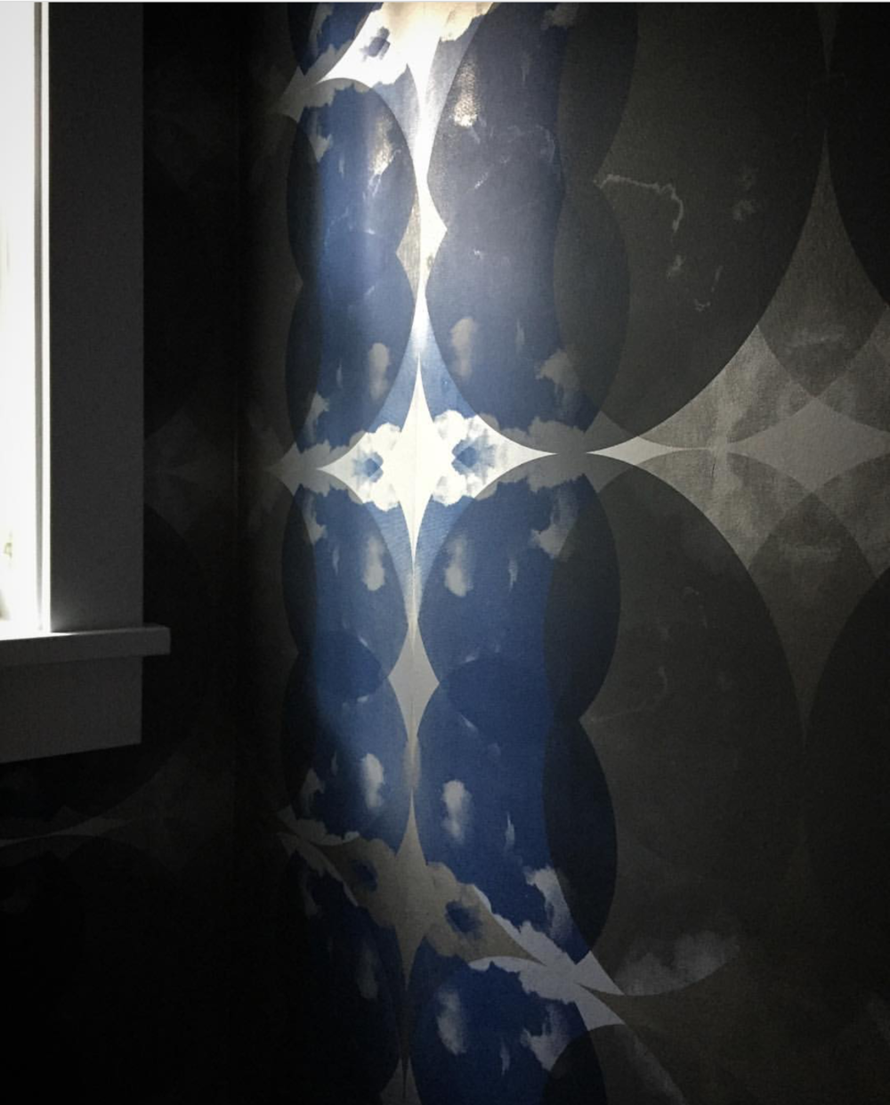 Moody blue Nimbo Noctilucent - Interior design by Brian Paquette