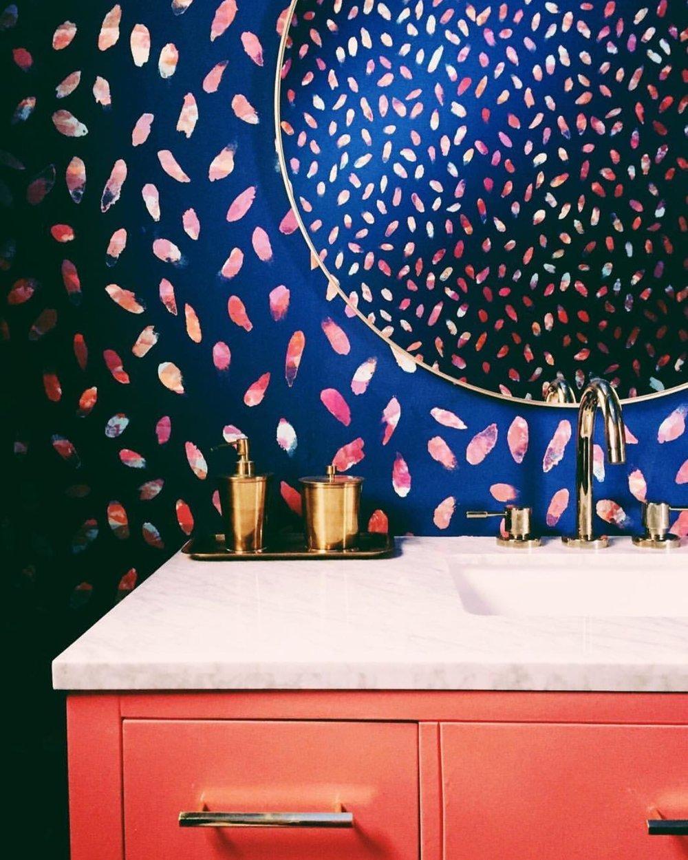 Cheerful modern bathroom featuring