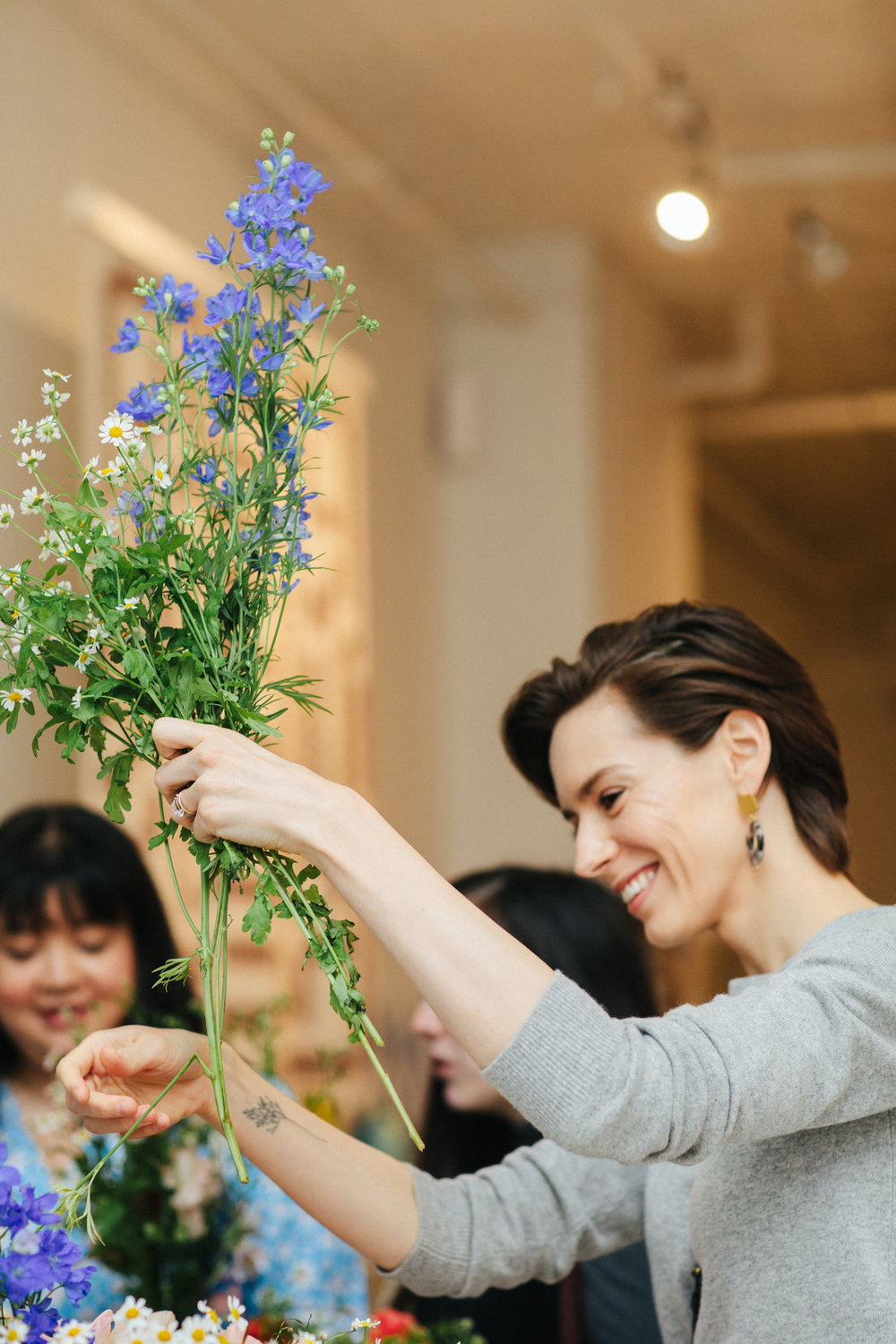 With the help of florist Jordan Danielle Thomas, everyone chose a handful of blooms to take home.