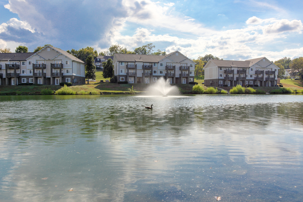 Hickory Lake Nashville Exterior 16.jpg