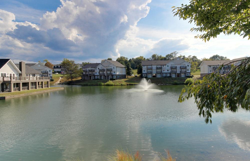 Hickory Lake Nashville Exterior 18.jpg