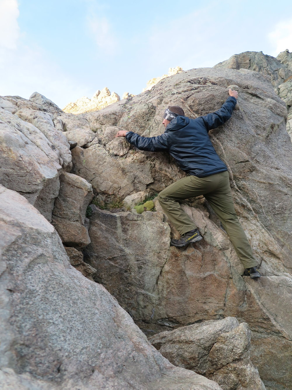 Aaron, free solo at Alpine Lakes Basin. 5.13d.