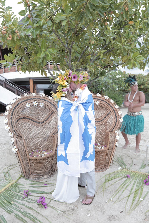 The Tahitian warrior is notamused.