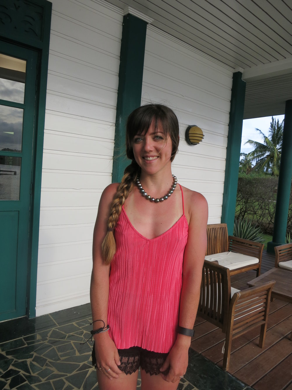 Before we went to dinner, we stopped at the Robert Wan pearl shop, where the wonderful sales associate Lydia allowed me to completely ruin the beauty of this $150,000 Tahitian pearl necklace with my many stages of sunburn.