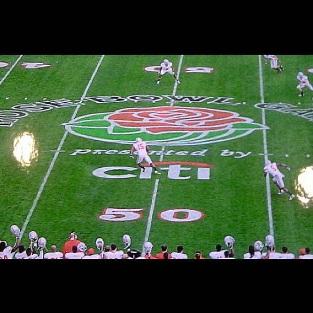Rose Bowl kick off.jpg