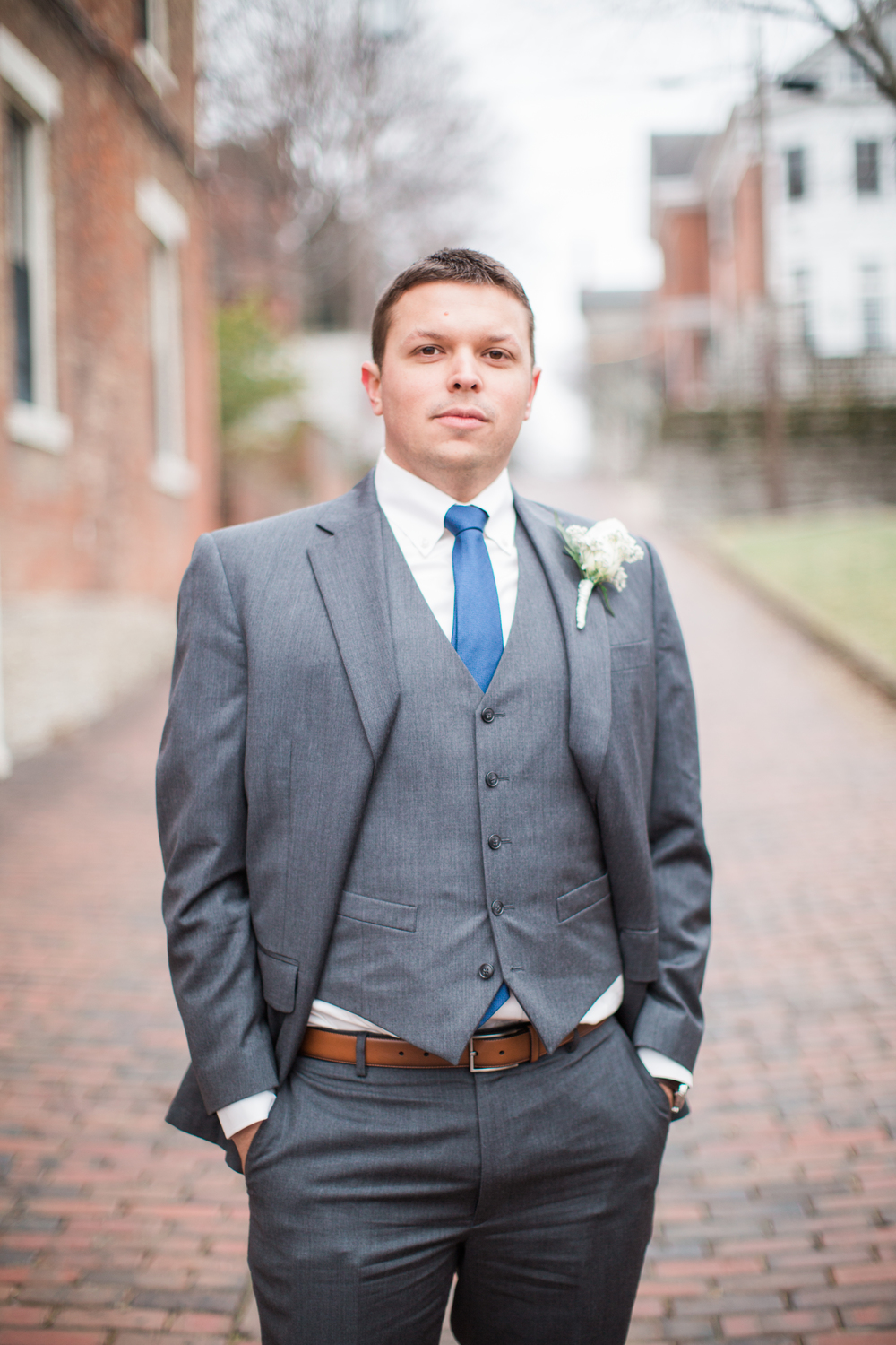 Groom at Riverside Drive in Covington, Kentucky