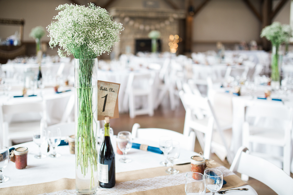 reception decor at Muhlhauser Barn