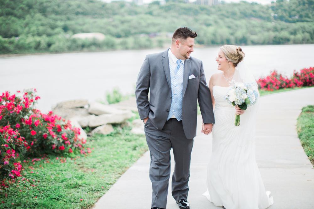 bride and groom at bellevue beach park