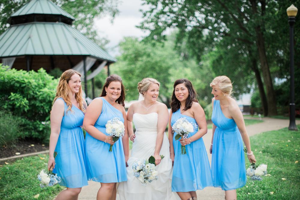 bridesmaids at bellevue beachpark