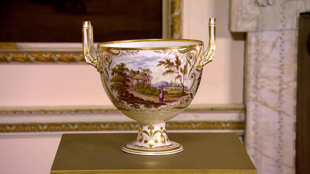 An Excellent Derby Porcelain Two Handled Cup. George III, circa 1815. With classical decoration with urns, scrollwork & trailing leaves. The upswept handles with gilded paterae. £1750 | David Foord Brown  Antiques | www.davidfoord-brown.com