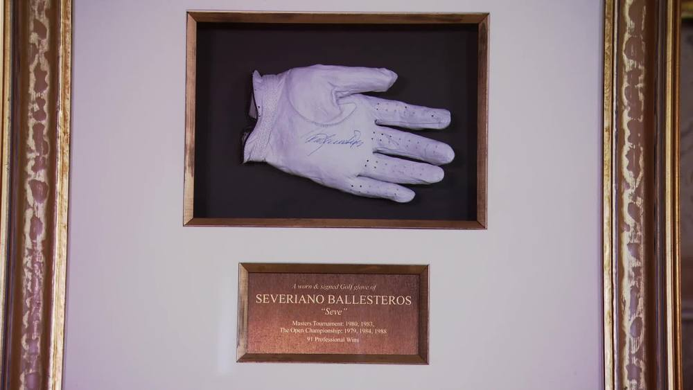 Seve Ballesteros worn Golf Glove in presentation case. £4,000 | Fundraising Auctions | www.fundraising-auctions.co.uk