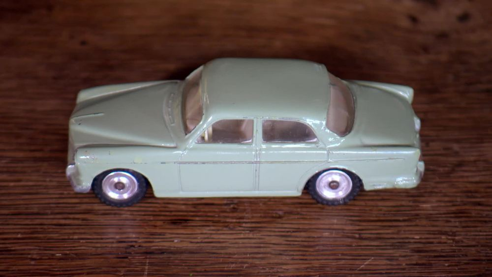 Dinky 184 S. African Volvo 1961 -1962 unboxed. £700 | Phil Silvester | www.diecastgems.com