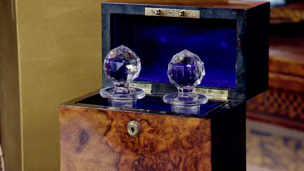 19th century walnut box with 2 glass decanters. £600 |The Swan |www.theswan.co.uk