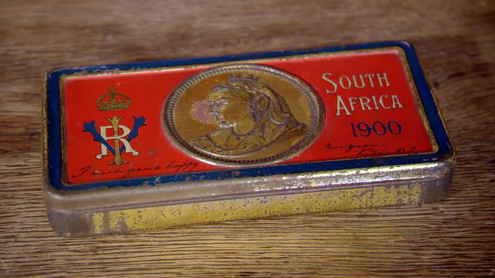 Soldiers Queen Mary's Christmas Cigarette Tin. £130 | London Medal Company | www.london-medals.co.uk