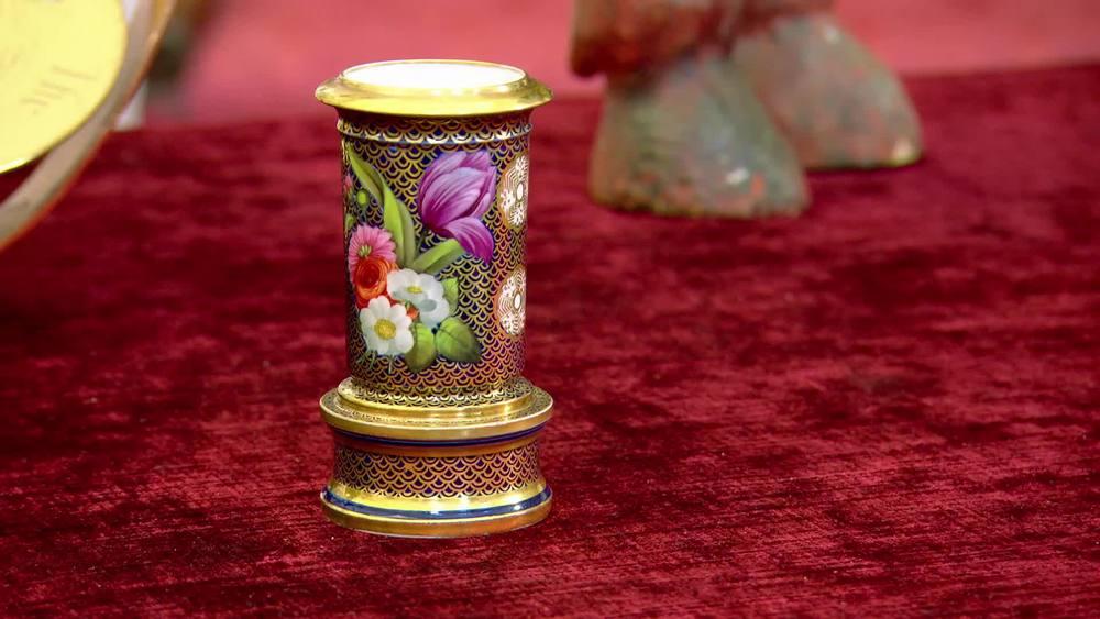 Spode porcelain spill vase circa 1820. £950 |David Foord-Brown |www.davidfoord-brown.com