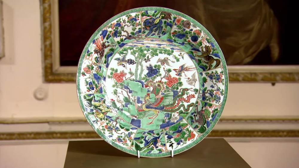 Famille vert charger.Kangxi period £16,000 | JAN Fine Art |www.jan-fineart-london.com