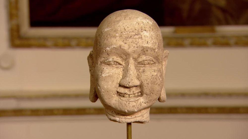 Chinese head on stand 18th-19th century. £480 | JAN Fine Art |www.jan-fineart-london.com