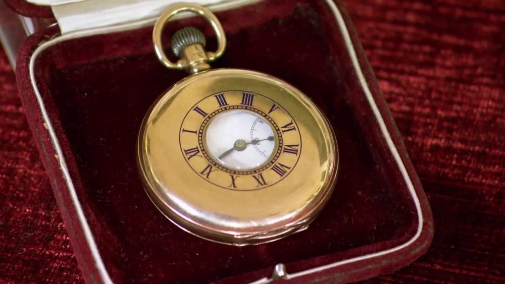 Great War Presentation Gold Half Hunter Pocket Watch, 9 carat gold. £750 | Parade Antiques |www.paradeantiques.co.uk