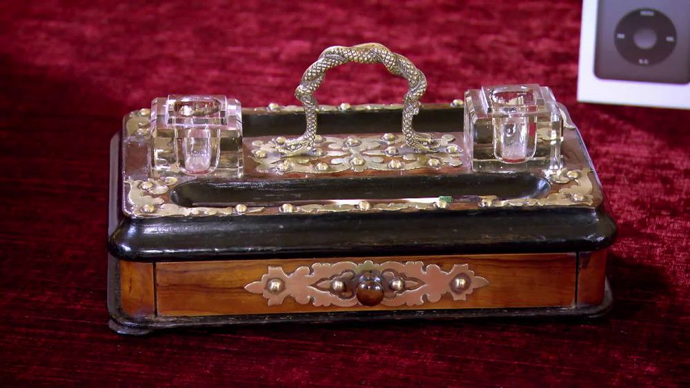 Victorian walnut and brass inkwell. £130 |The Swan |www.theswan.co.uk