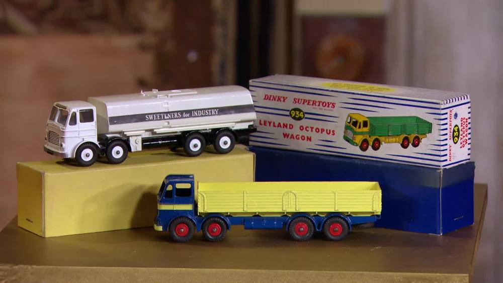 "Dinky Leyland Octopus tanker ""Corn Products"" and a Leyland Octopus wagon. £12,000 