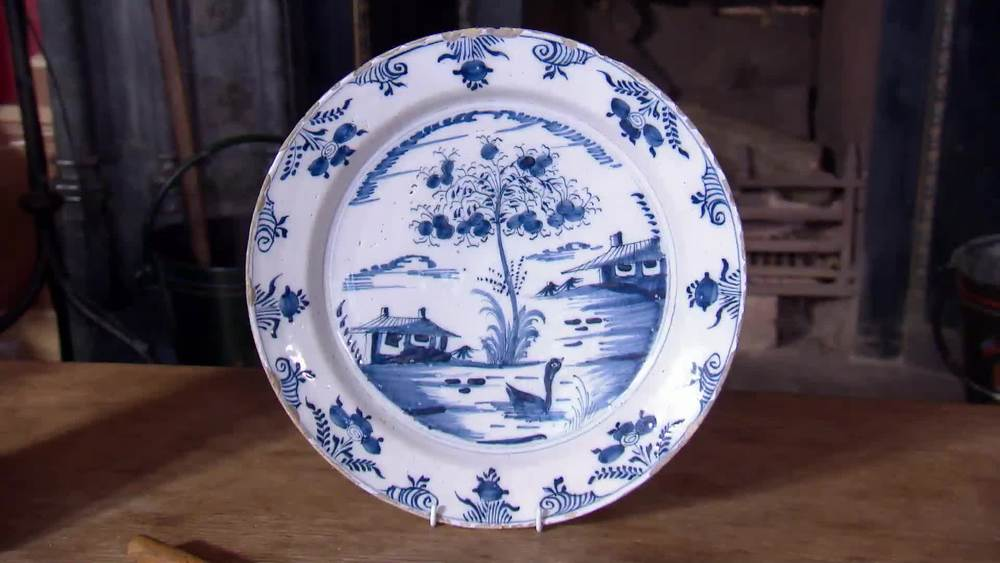 1750 large English blue and white Chinese style Delft Dish. £360 | Parade Antiques | www.paradeantiques.co.uk