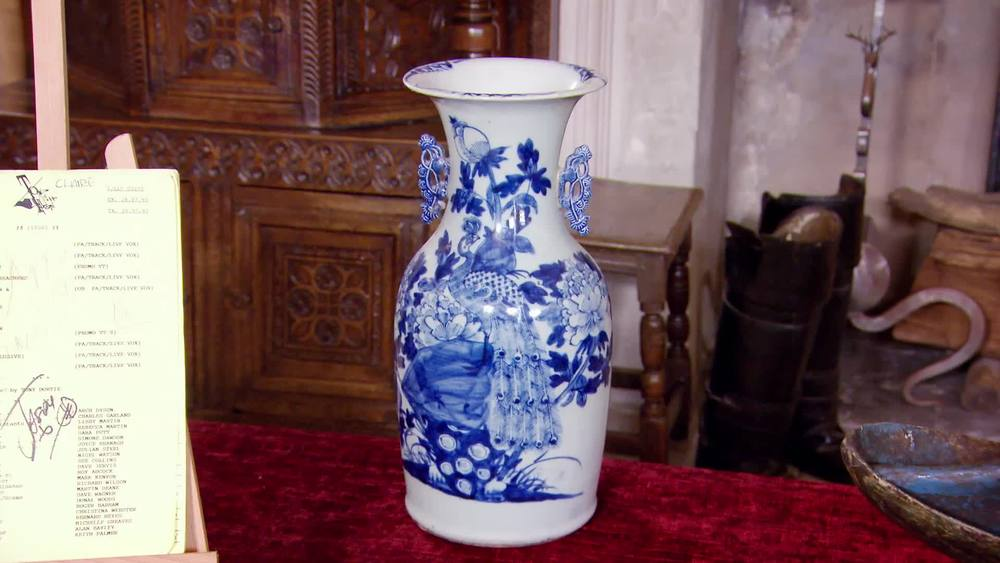 Late 19th/early 20th century Chinese vase. £180 | The Swan | www.theswan.co.uk