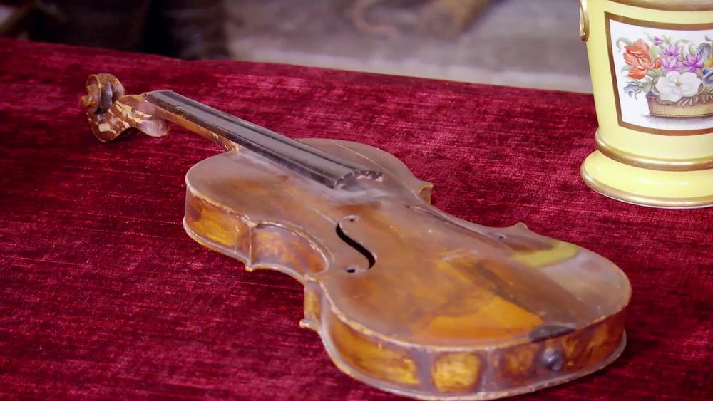 1950's damaged violin £100 | Private Collection