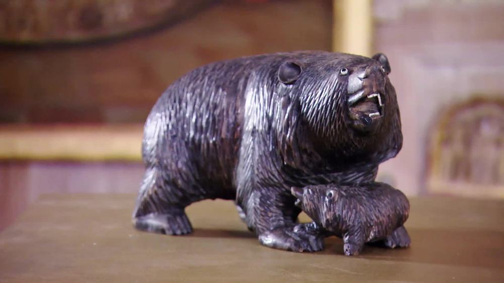 Antique carved Blackforest wooden bear & cub figure 1900. £650 | Xupes | www.xupes.com