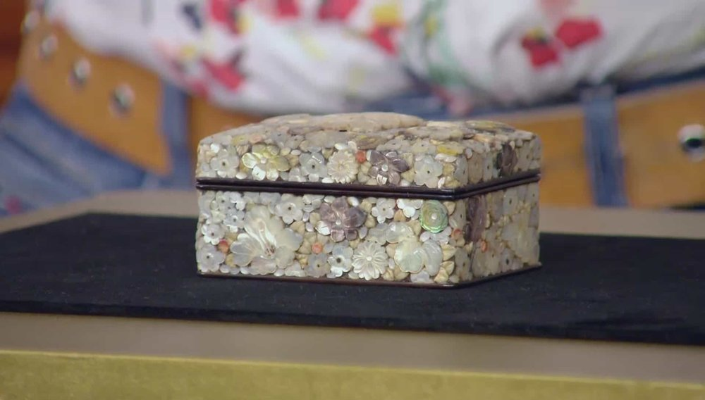 Shibayama Box Price: £3,000 VISIT HAMPTON ANTIQUES WEBSITE