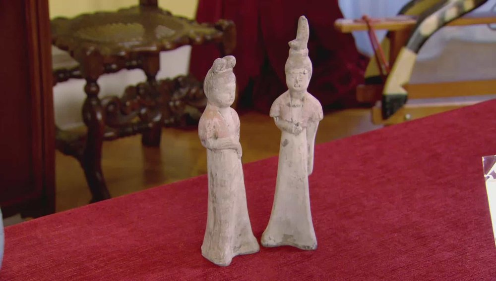 Two Statues Price:£40