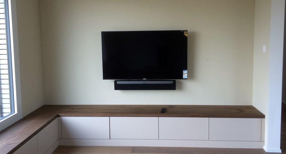 TV 4K UHD + Sonos Bar Wandmontage