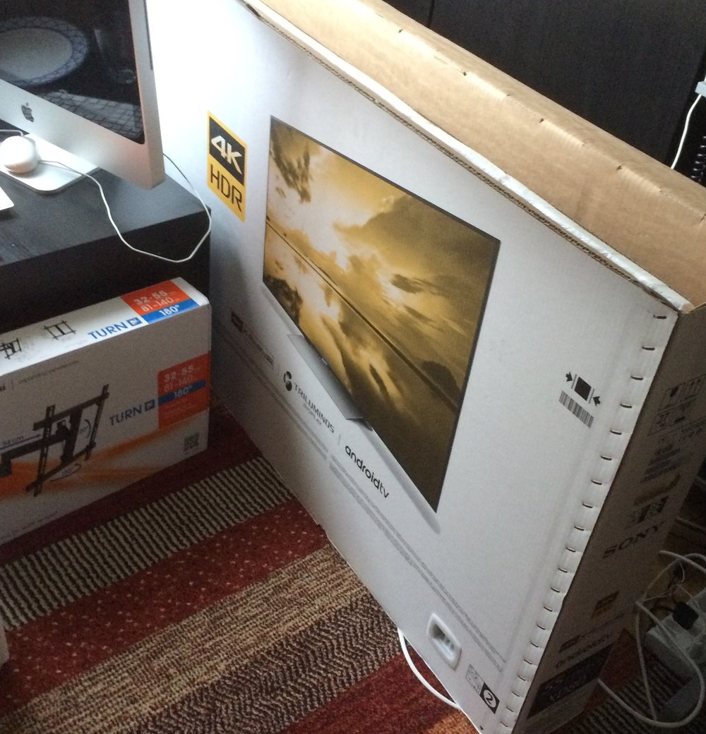 TV 4K UHD & Arm verkauft
