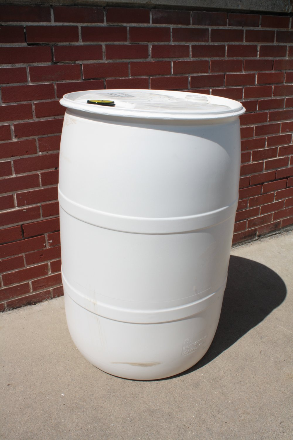 55 gallon plastic barrel closed top.jpg