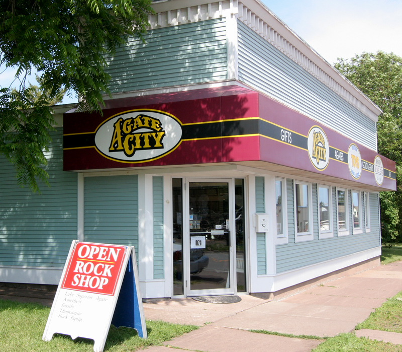 Minnesota's favorite rock shop, open year-round.