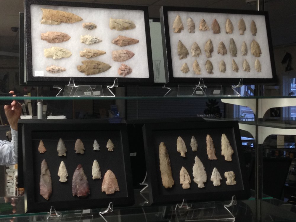 Arrowhead and Artifact Collections                    Authentic collections with localities