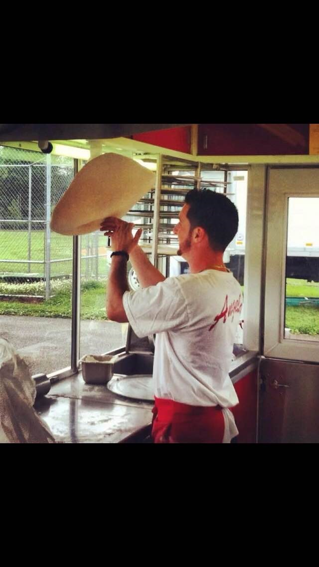 Hand Tossed Pizza.