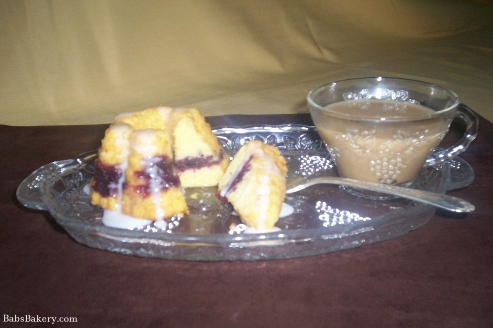 pretty pound cake.jpg
