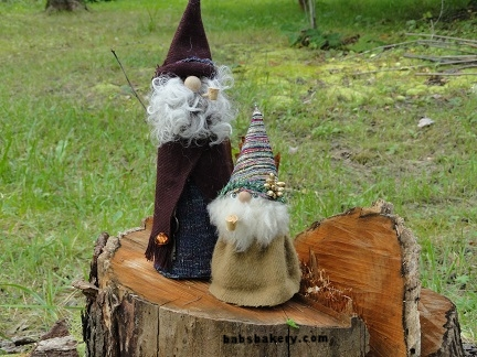 gnome stump 2.jpg