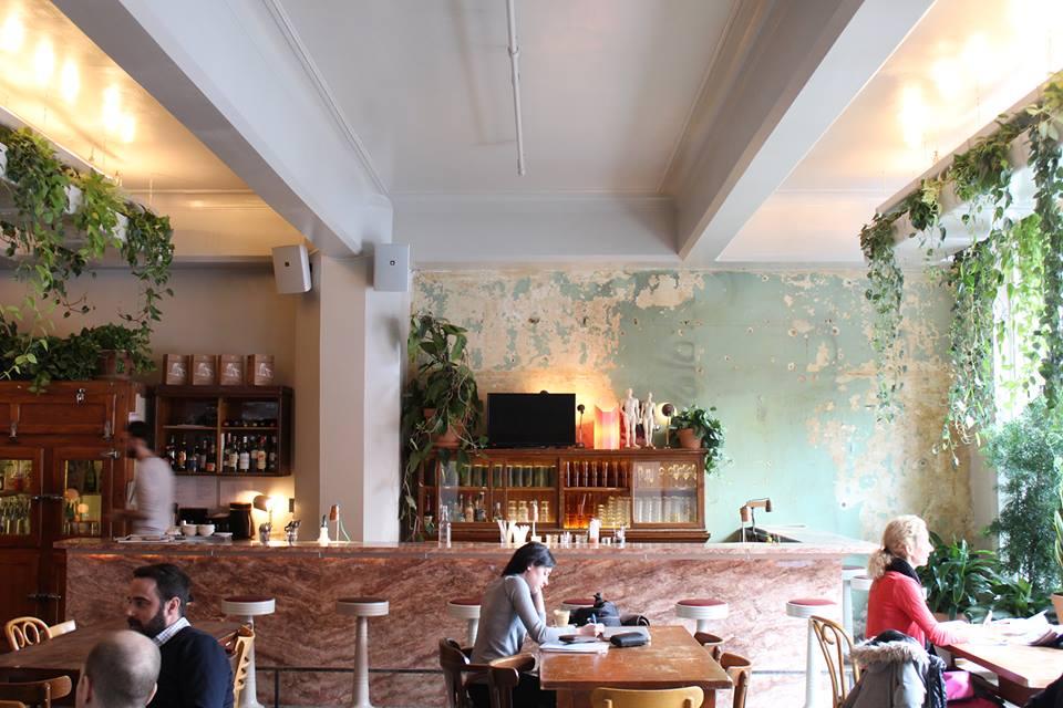 Cafe Parvis-1.jpg