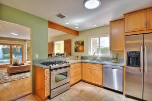 536 Pintura Kitchen