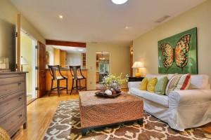536 Pintura Living Room